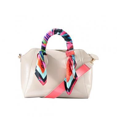 Лаковая сумка с двусторонним ремешком